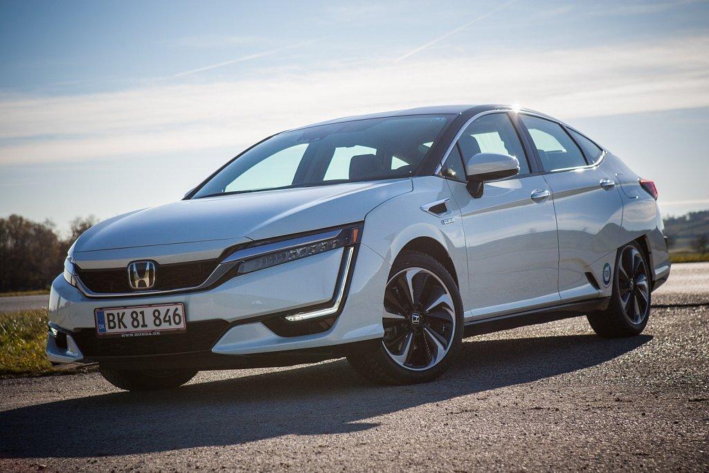 Honda-Clarity-FuellCell-Gluschitsch-1.jpg