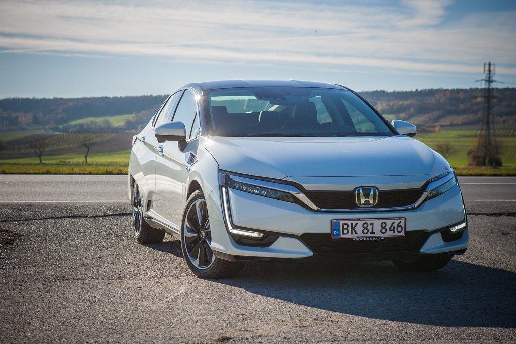 Honda-Clarity-FuellCell-Gluschitsch-2.jpg
