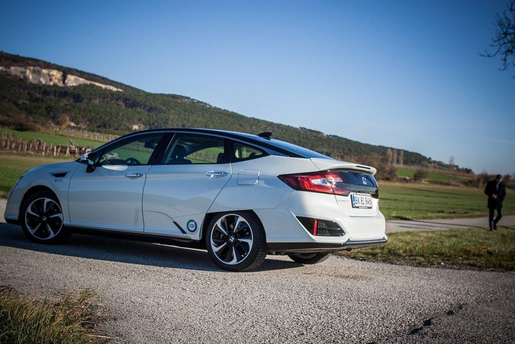 Honda-Clarity-FuellCell-Gluschitsch-3.jpg