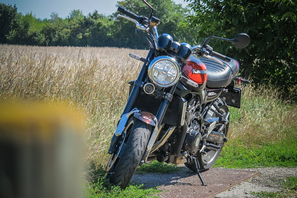 Kawasaki-Z900RS-Gluschitsch-5.jpg