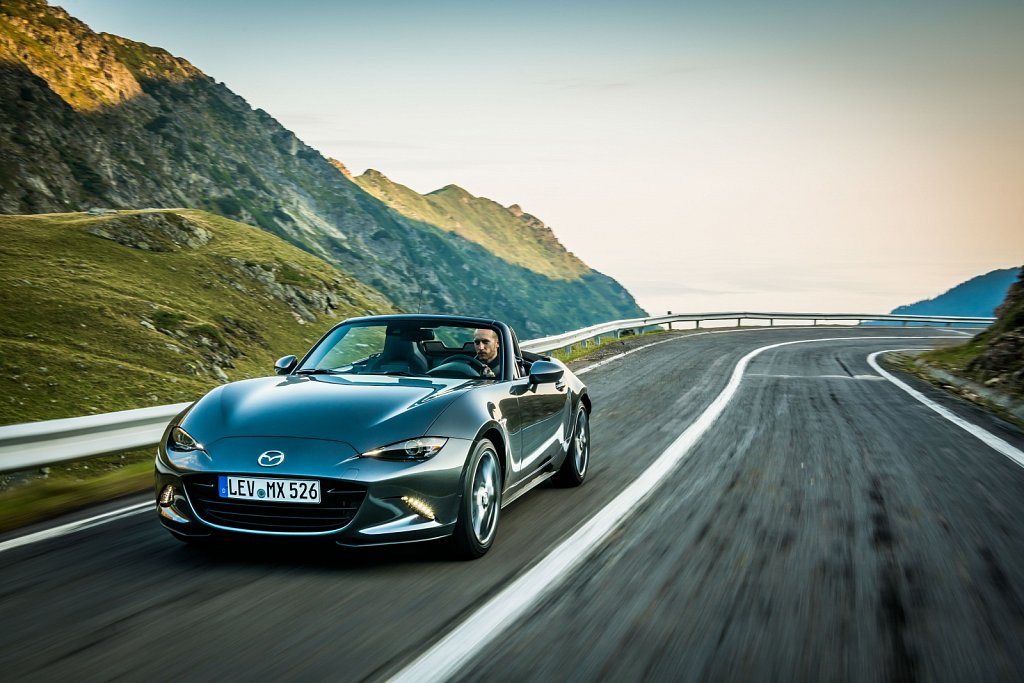 2019MX-5-Machine-Grey-9.jpg