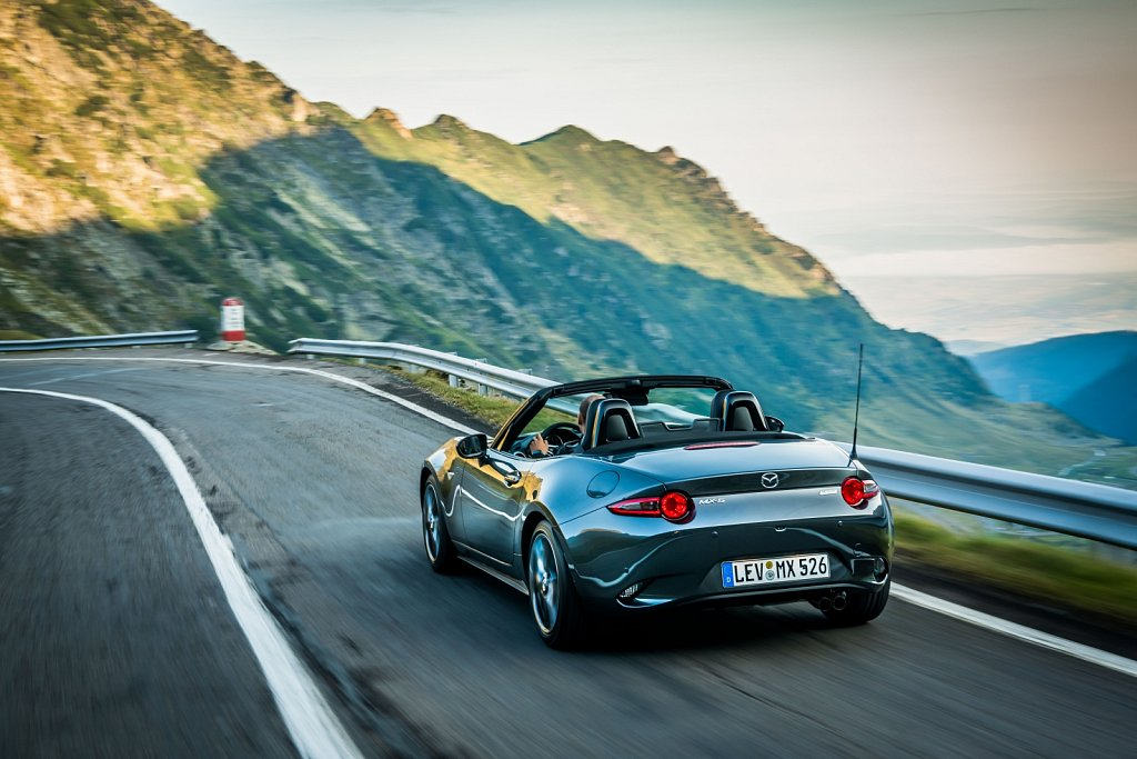 2019MX-5-Machine-Grey-13.jpg