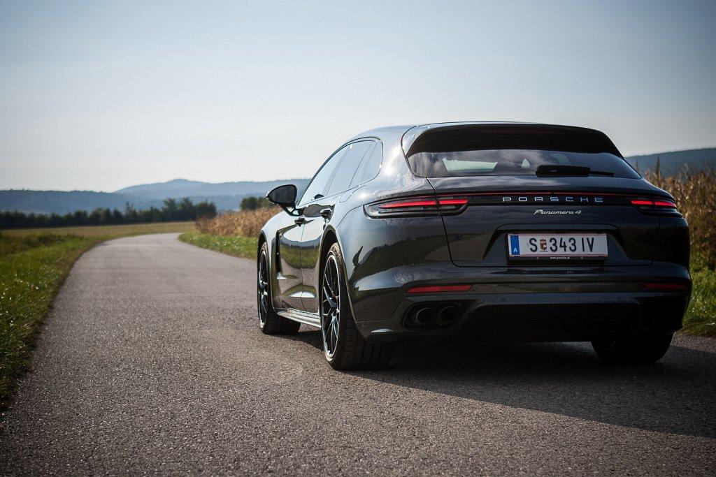 Porsche-Panamera-Hybrid-Gluschitsch-2.jpg
