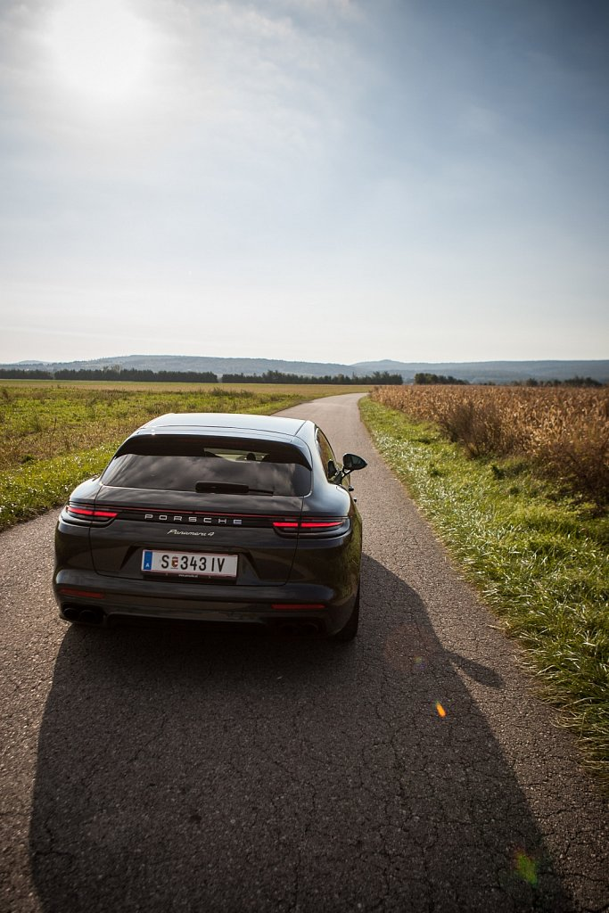 Porsche-Panamera-Hybrid-Gluschitsch-3.jpg